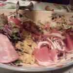 ランテルナ - 前菜の盛り合わせ これで4人前!すごいボリューム!!