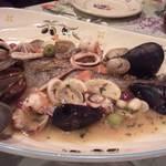 ランテルナ - アクアパッツア メインの魚以外にも魚介がいっぱい!