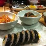 韓国料理 HARU - ランチ 韓国屋台プレートのキンパとチャプチェとトッポキ