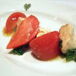 モンステラ - 宮崎県新門トマト農園のフルーツトマトとモッツァレラチーズのサラダ