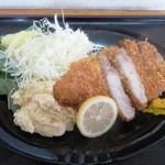 男の厨房 - とんかつ定食¥950の「とんかつ」