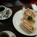 朝日珈琲サロン - カツサンドとコーヒー