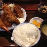 16721491 - 大エビとカキのフライ盛り合わせ定食