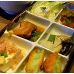 やよい軒 - 料理写真:彩定食