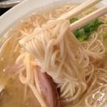 坂上貴哉 - 元らーめん500円の麺