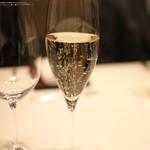 カンテサンス - Pierre Peters   Champagne   Cuvee de Reserve   GRAND CRU   (2013/01)
