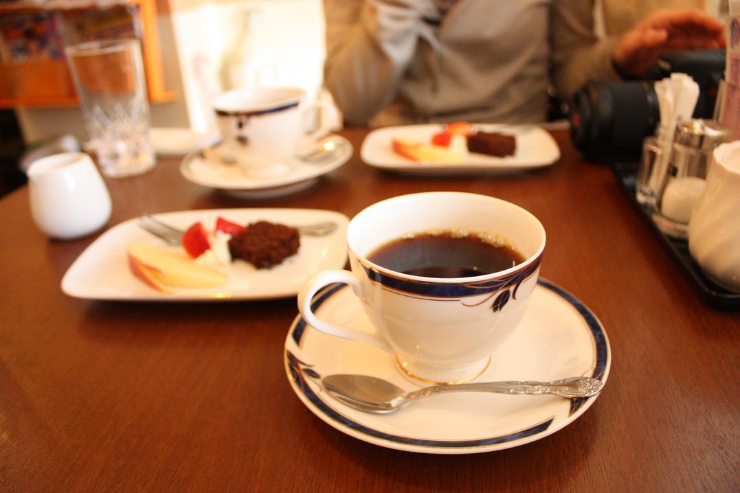 カフェ プチトゥルー