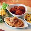プーラヴィーダ - 料理写真:サンデースペシャルランチのプレート。<2013_01>