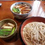 寿楽庵 - 料理写真:鴨汁そばと鴨南ばん