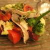 モルソー - 料理写真:軽くあぶったサバのマリネとフルーツトマト(1400円)
