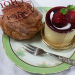 洋菓子工房 ボン・シック - 【2013年1月】シュークリームとレアチーズケーキ