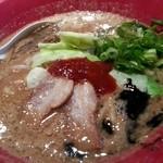 16869947 - 冬季限定の味噌赤丸(800円)麺も大盛り無料でした♪