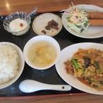 彩鳳 - ママン選択の日替わり定食680円