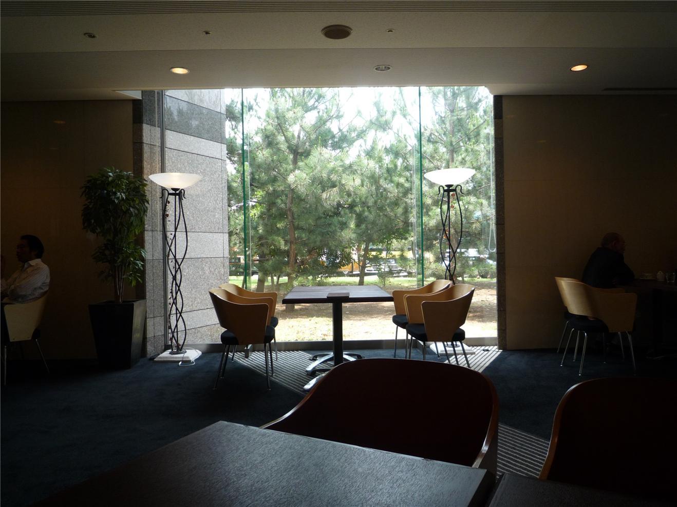 モモカフェ 東京ベイ幕張店