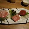 八蔵 - 料理写真:生本マグロ三点盛り、大トロ、中トロ、赤身。お替りで再注文してしまいました。