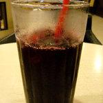 ジョルノコーヒー - 赤ぶどうジュース(Mサイズ)330円