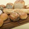 食人 - 料理写真:秋田県の白神こだま酵母を使った天然酵母パンを各種販売。