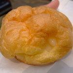 やおきパン - シュークリーム40円