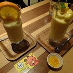 ドリンクドランク - (ノ∇≦❤)DRINK DRANKクラシックMIXスムージー&完熟マンゴーとバレンシアオレンジのスムージー:780円:果物たっぷりすぎ♬