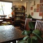アジアの食堂 ムバラケ - 店内