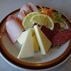 いかりやレストラン デミタス - 料理写真:ハム・サラミ・チーズ盛り合わせ