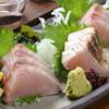 岡山居酒屋 個室 がってん八兵衛 - 料理写真:鰆の刺身とタタキがセットになった「鰆の食べ比べ」