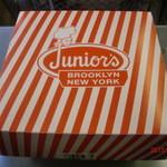 ジュニアーズ ニューヨーク - の箱