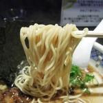 めじろ - 特上醤油ラーメンの麺