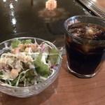 コナヤ - ランチのサラダとドリンク