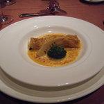 ボナキュー - 信州蕎麦粉クレープに包まれたオマール海老、帆立、旬魚のグラタン