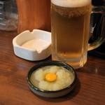 鳥やす本店 - 2013.2 お通しの小おろし(63円)、生麦酒中ジョッキ(546円)