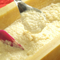 3月よりチーズフェア開催!