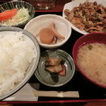 刺身屋新太郎 - コレナイ豚と五目野菜のピリ辛味噌炒め750円