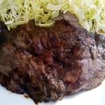 鯨食堂 - 料理写真:鯨ステーキ:あっぷ図 by ももち(許してにゃん)