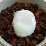 ラーメン ちゃー亭 - 半ラーメン+半豚玉丼850円の半豚玉丼 2013/02
