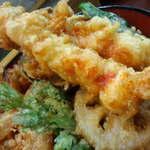 天丼の岩松 - 大海老丼、接写