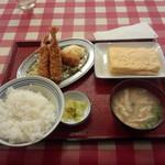 天六食堂 - エビフライと玉子焼定食735円