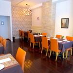 レストラン ビブ - 明るく綺麗でオシャレな空間