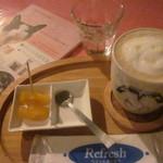 ぴらにやカフェ - マロングラッセラテ&フルーツ