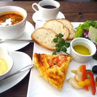 RICE-B - 食べるスープとタパスプレートランチ。たまにはリッチにお昼から生ハムいかがですか:)?
