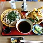 大正庵 - 料理写真:鮎の天ぷらとざるそば