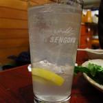 そと川 - レモンサワー400円