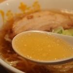 人類みな麺類 - らーめん macro(マクロ) スープ