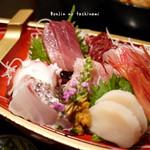 三亀 - 料理写真:刺身盛り合わせ