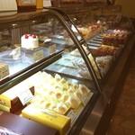 パティスリーアノー - 甘いものは食べないのに、洋菓子屋さんだぜぃwww お客さんにめちゃ喜ばれるからだぜぃwww  ワイルドだろうぅ♪