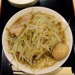 ジャンクガレッジ - ラーメン(並)720円全増し+割引味玉50円
