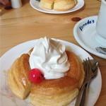 コメダ珈琲店 - 料理写真:ミニシロノワール【390円】