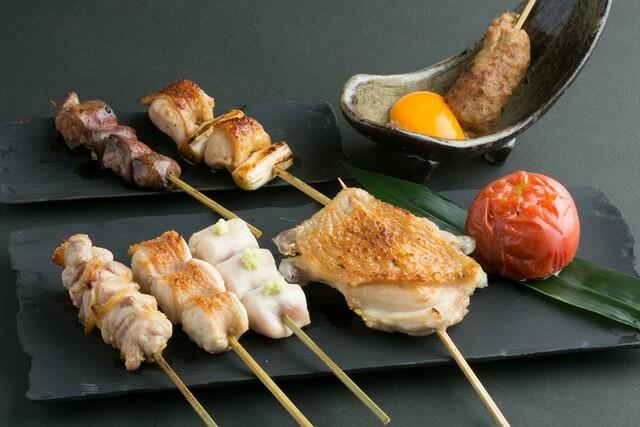 https://tabelog.ssl.k-img.com/restaurant/images/Rvw/17500/640x640_rect_17500421.jpg