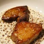 ビストロ天下井 - 仏産フォアグラのポアレ 季節の調理法で(+500円)