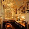 DBL CAFE DINER - 内観写真:強烈な印象と圧倒的な存在感を放つ店内